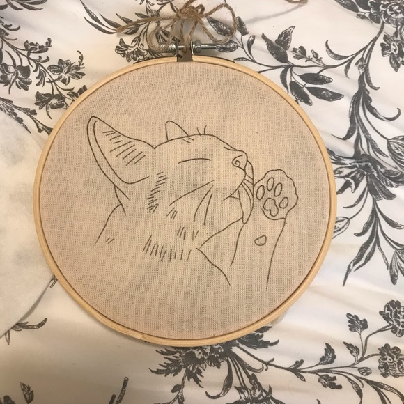 Beginners embroidery kit - cute cat design